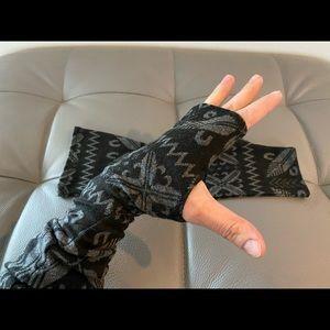 Accessories - Wrist warmers